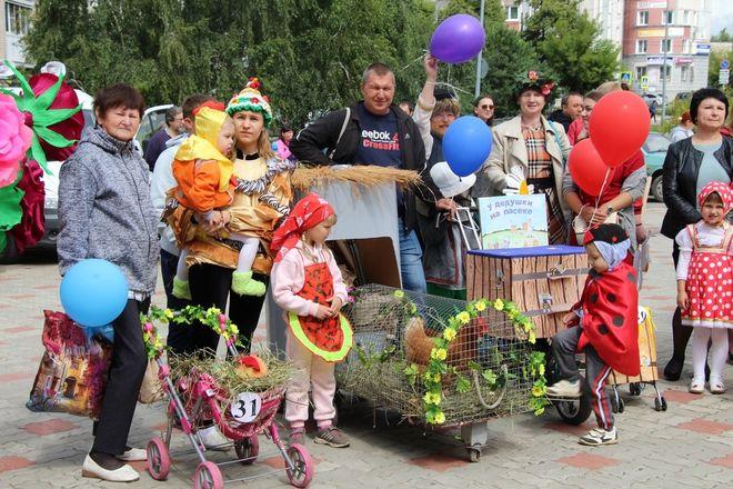 Бэтмены и принцессы стали участниками парада колясок на Бору - фото 3