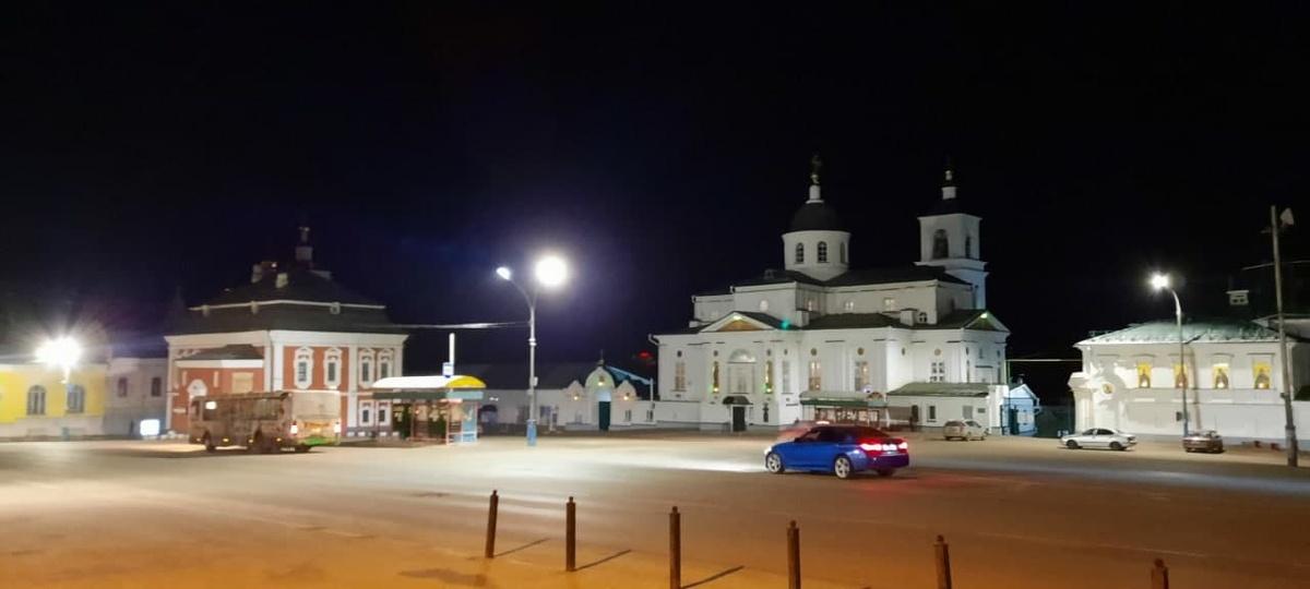 «Нижновэнерго» установил на центральной площади Арзамаса новое светодиодное освещение - фото 2