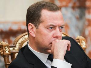 Медведев назвал новые санкции со стороны США началом экономической войны