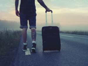 53% российской молодежи мечтает об эмиграции