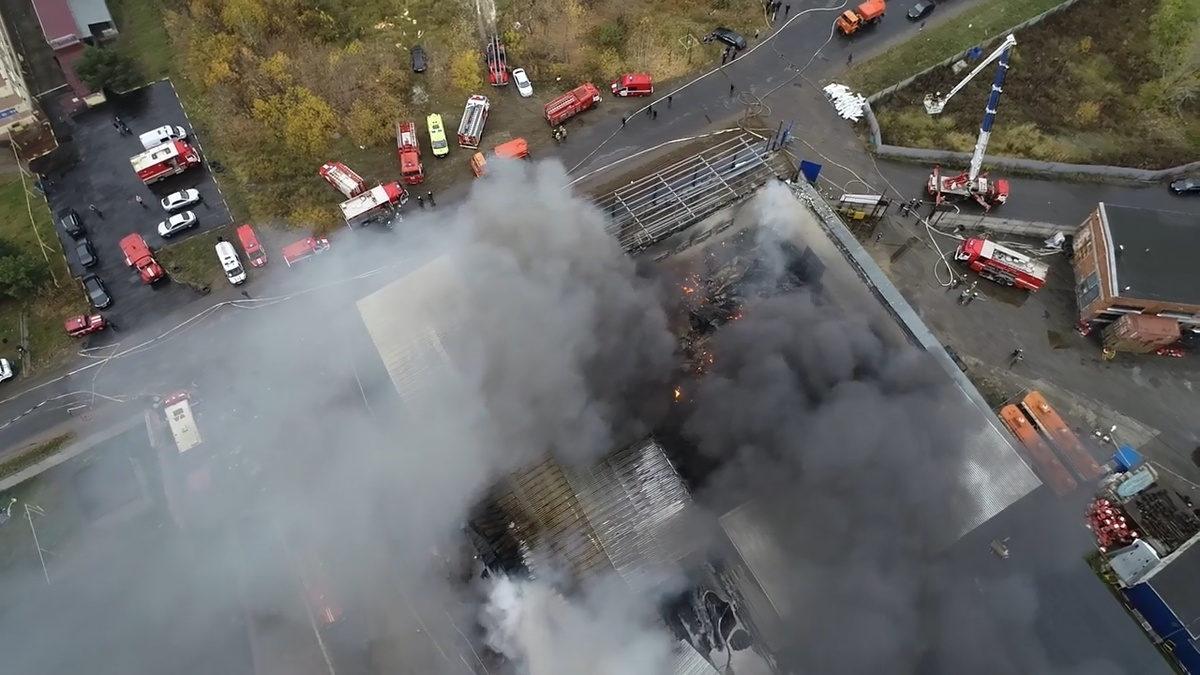Пожар на складе на улице Федосеенко ликвидирован - фото 1