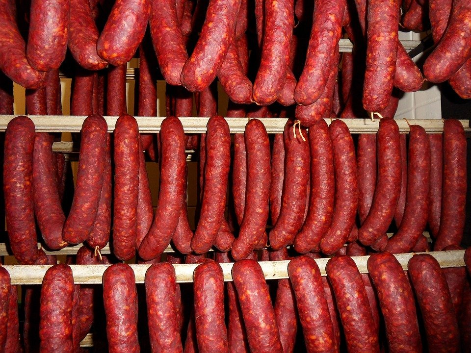 Только одна марка «Краковской» колбасы прошла проверку Росконтроля
