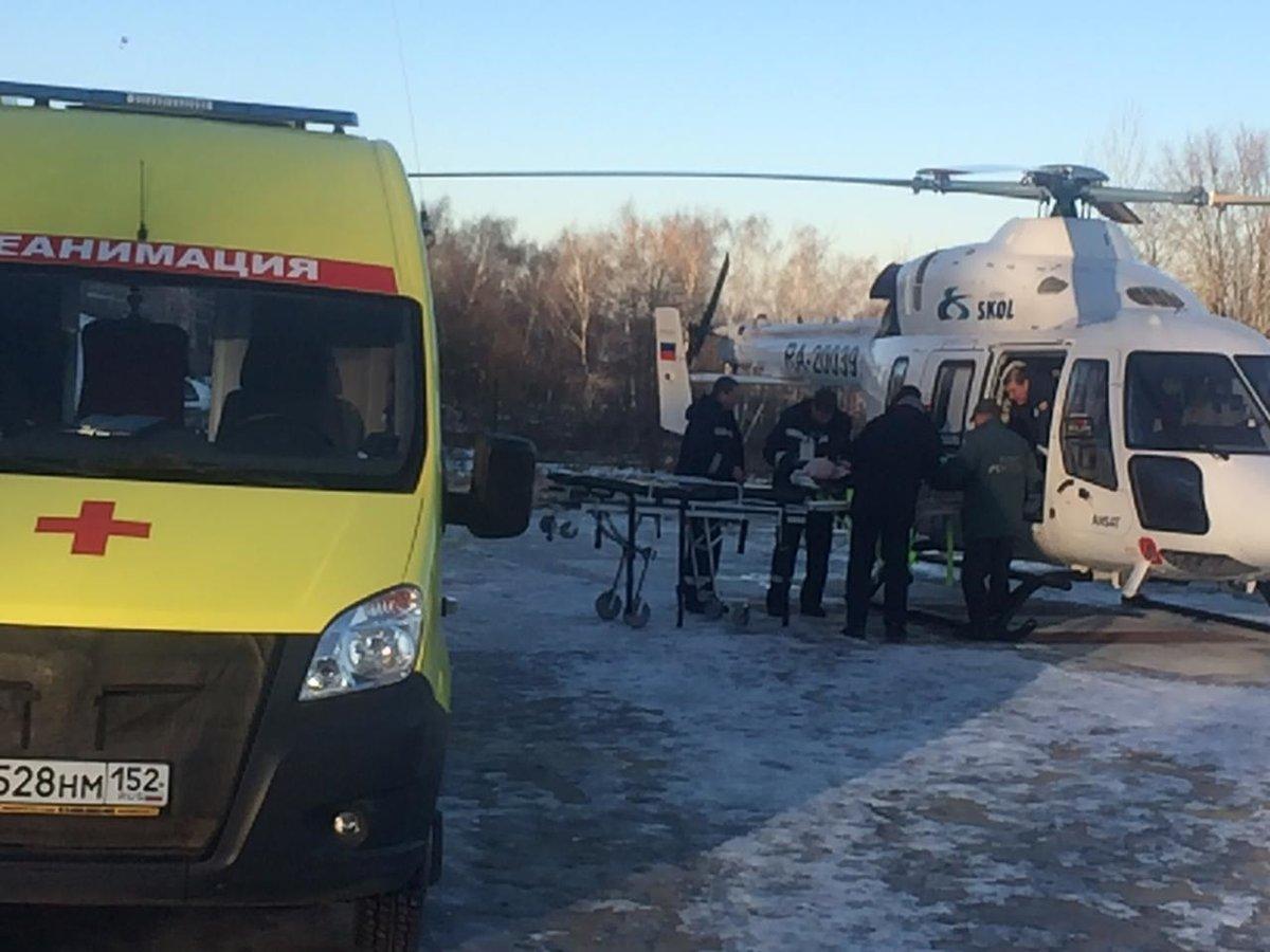 Жителя Уреня, пострадавшего в аварии на снегоходе, эвакуировали на вертолете - фото 1