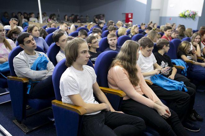150 школьников защитили свои проекты в рамках Зимней школы по дискретной математике, информатике, цифровым технологиям, организованной Мининским университетом - фото 2