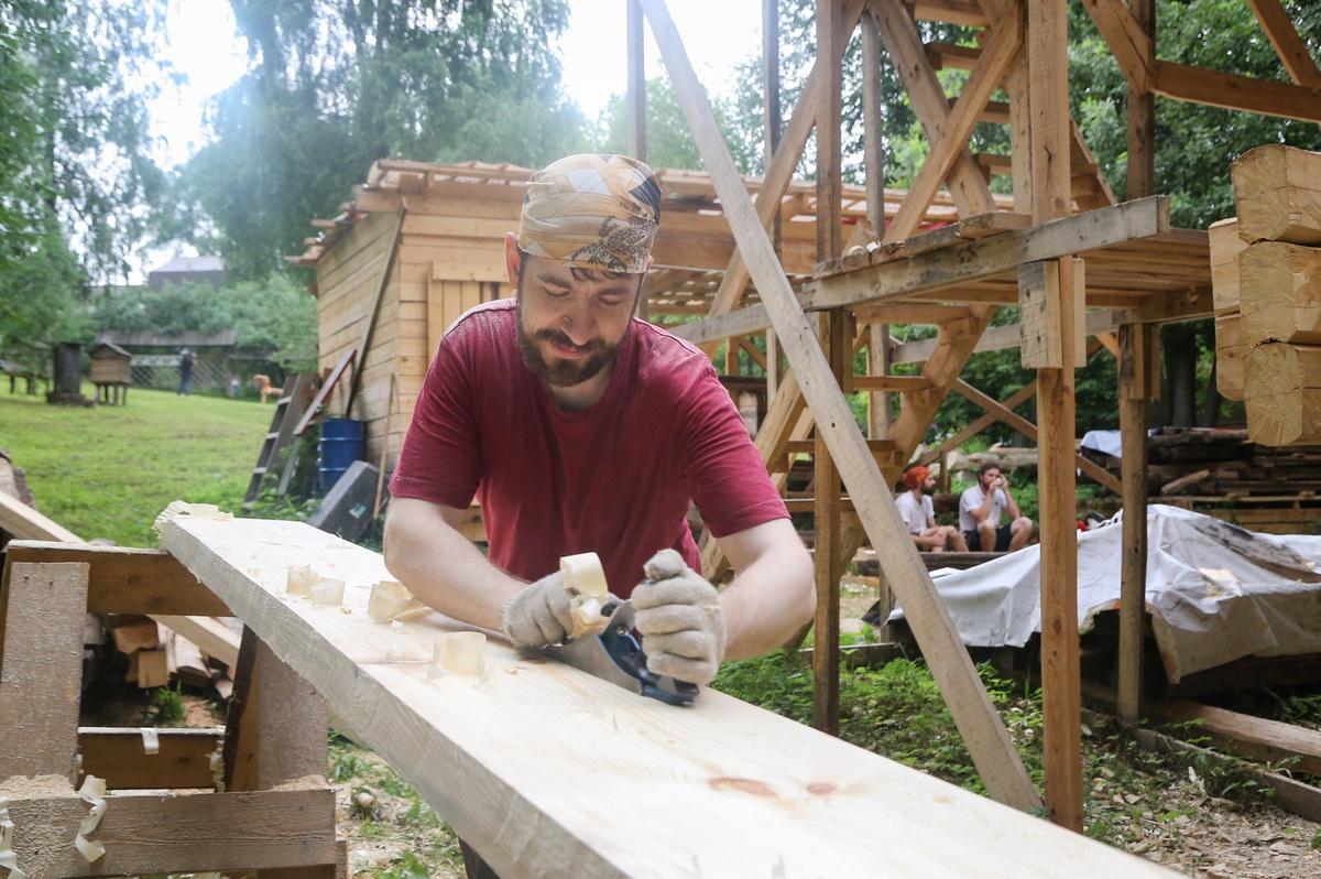 Сруб реставрируемой мельницы-столбовки на Щелоковском хуторе готов на половину - фото 3
