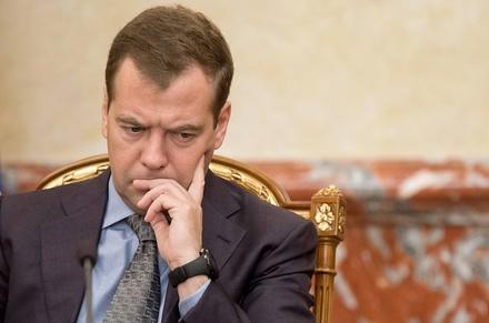 Более половины россиян готовы поддержать отставку правительства