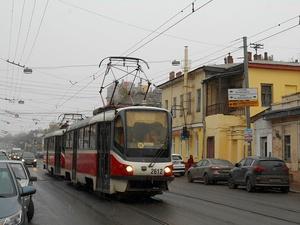 На улице Ильинской предложили запретить парковку