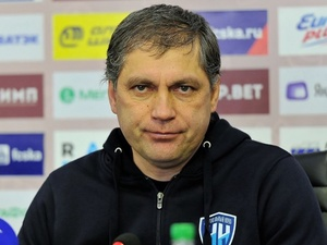 Роберт Евдокимов продолжит тренировать ФК «Нижний Новгород»