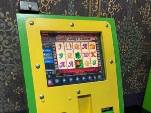 Бесхозяйный игровой автомат обнаружен в торговом центре в Приокском районе