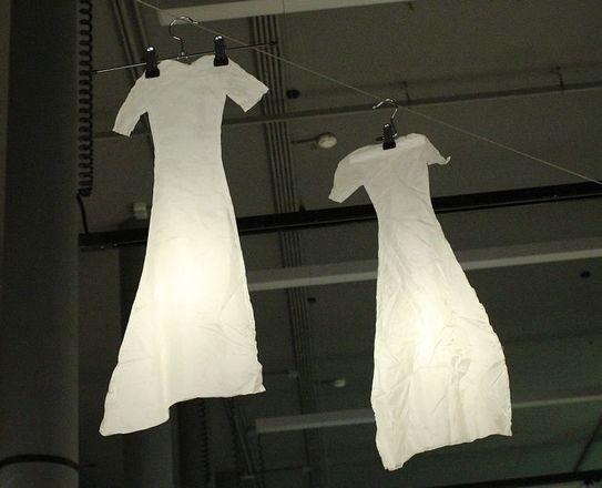 Смертельные горки и платье с мозгом: три новые выставки открылись в нижегородском «Арсенале» в честь его 22-летия - фото 8