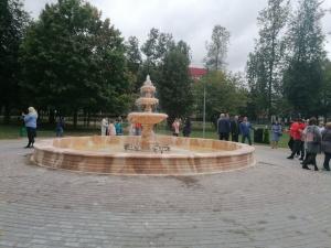 Фонтан из натурального камня появился в богородском парке культуры и отдыха
