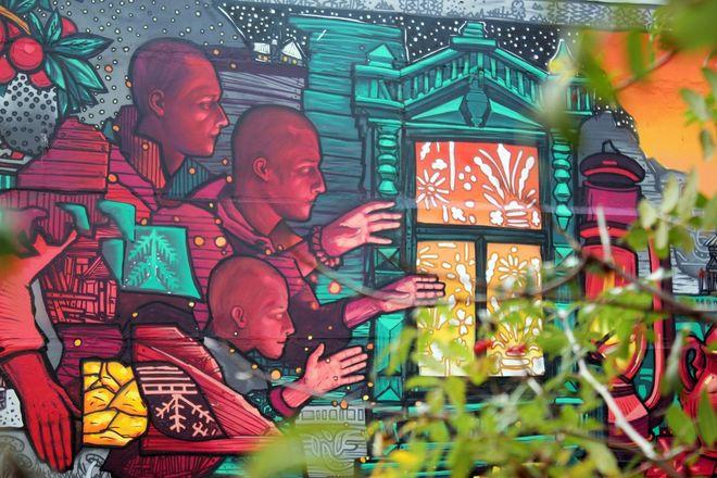 Красочные «Святки» появились на улице Гордеевской - фото 3