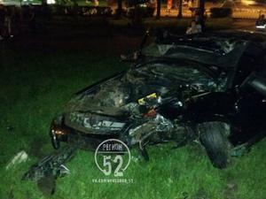 Автомобилист протаранил памятник Максиму Горькому в Нижнем Новгороде (ФОТО)