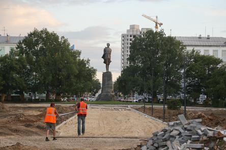 Благоустройство площади Горького идет с отставанием от графика