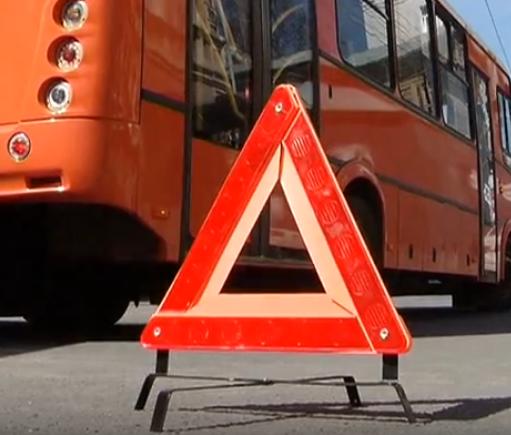 Ребенок и трое взрослых попали в ДТП с автобусом в Вачском районе - фото 1