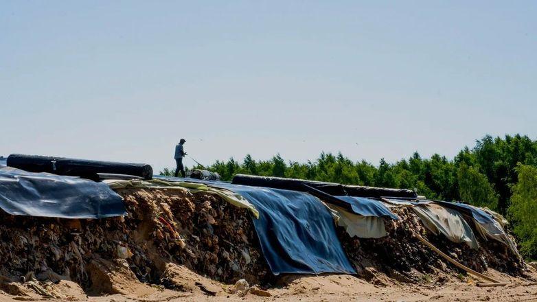 Дзержинское «Белое море» наполовину закрыли геомембраной - фото 4