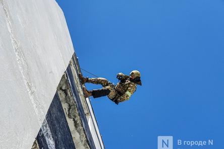 Штурм поезда и трюки в воздухе: как работают нижегородские спецподразделения