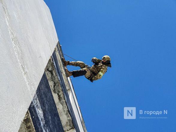 Штурм поезда и трюки в воздухе: как работают нижегородские спецподразделения - фото 20