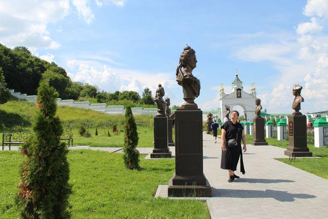 Материнство и любовь: каких женщин и за что увековечили в Нижнем Новгороде - фото 12