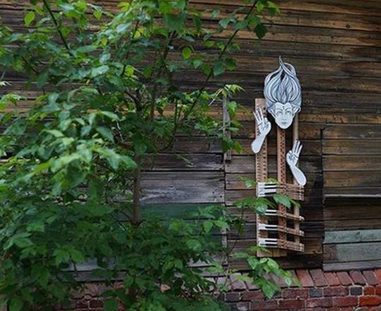 Нижегородская художница создала «Тишину» на стене заброшенного дома - фото 1