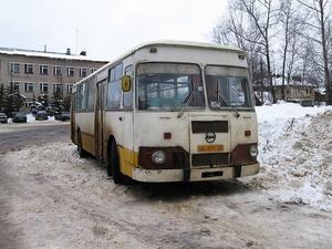 Три автобуса прошлого века проданы в Арзамасе на торгах за 1,1 млн рублей