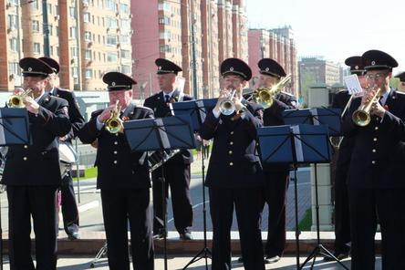 Оркестр нижегородской полиции дал концерт в честь Дня Победы