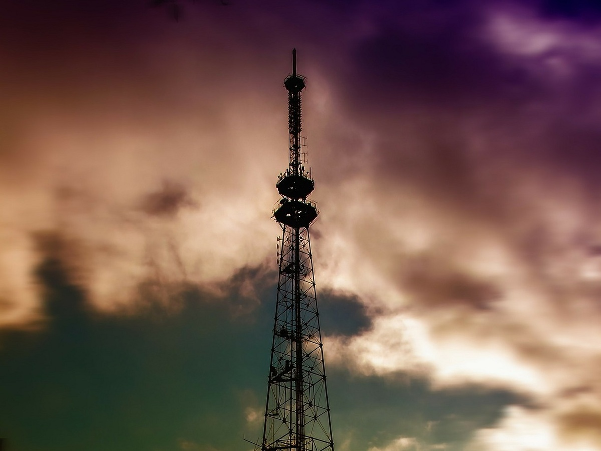 Нижегородские телебашни раскрасят в цвета российского флага - фото 1